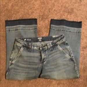 a.n.a. JCPenneys wise leg crop jeans 8P